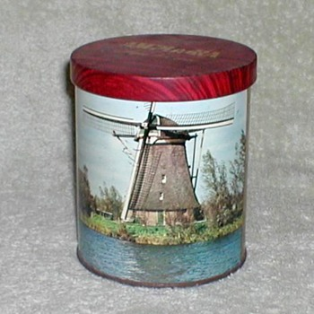 1970 - Amphora Tobacco Tin - Tobacciana