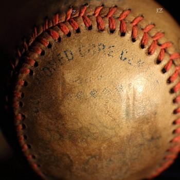 Mystery  baseball - Baseball