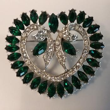 Wiesner heart brooch  - Costume Jewelry