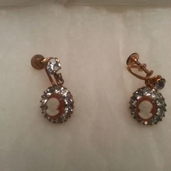 Vintage Cameo Earrings - Costume Jewelry