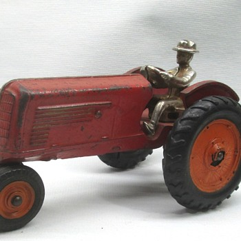 Arcade Oliver Tractor - Model Cars