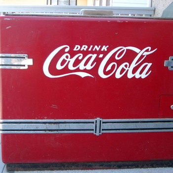 Coca Cola Chest Cooler.  - Coca-Cola
