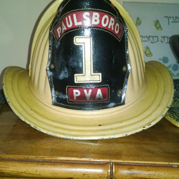 1950-60's cairns &,brothers yellow fire helmet