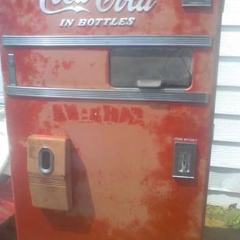 can't find another one like this coke machine - Coca-Cola