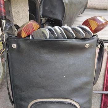 Vintage golf clubs (portable) with shoulder bag. - Sporting Goods
