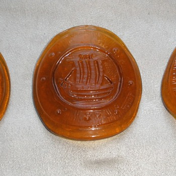Nuline Wheaton Amber Glass Curved Discs