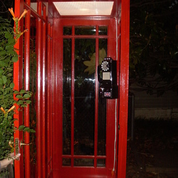 English Phone Booth - Telephones