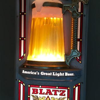 Blatz Beer Bubbling Beer Sign