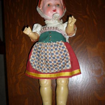 Need help identifying age and origin?? - Dolls
