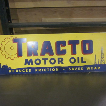 Tracto motor oil sign