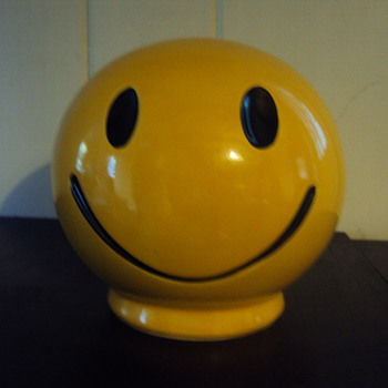 Smile Face Coin Bank - Coin Operated