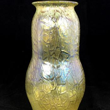 "Loetz ""Candia Mimosa"" Vase. PN II-5845. 7"" Tall. Circa 1908 - Art Glass"