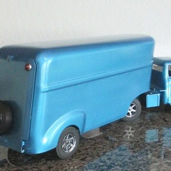 Ertl + Wyandotte Custom - Model Cars