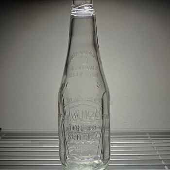 1970 Heinz Ketchup Bottle 100 Years Anniversary Anchor Hocking Embossed Glass Vintage Collectible Salem New Jersey - Bottles