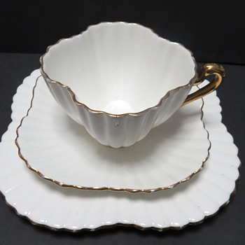 Shelley Wileman Trio, Alexandra Shape, rd 60650 - China and Dinnerware