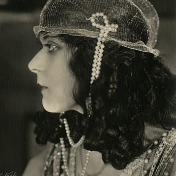 "1918 Original Theda Bara Photo ""Salome"" Hand Signed By Photographer"