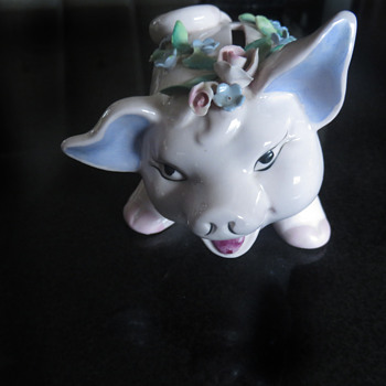 Cute Vintage Piggy Bank with 'Royal Windsor' hallmark - Animals