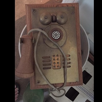 Antique phone - Telephones