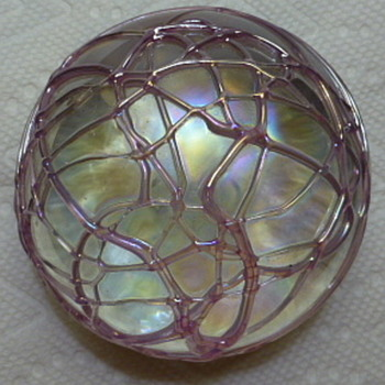 Intaglio - Levay Paperweight - Art Glass