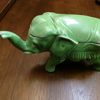 Green ceramic elephant trinket box - Animals