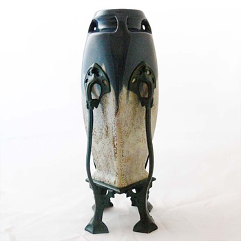Art Nouveau vase, unknown designer for Johann von Schwarz/Norica - Pottery