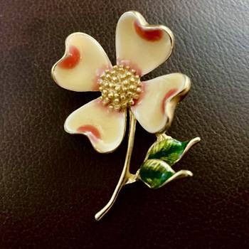 Unknown mark flower brooch - Costume Jewelry