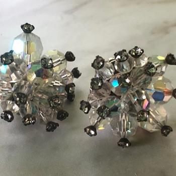 Clip on earrings - Costume Jewelry