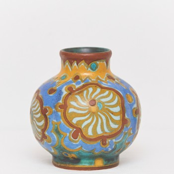 Gouda Vase (The Netherlands), Early 20th Century - Pottery