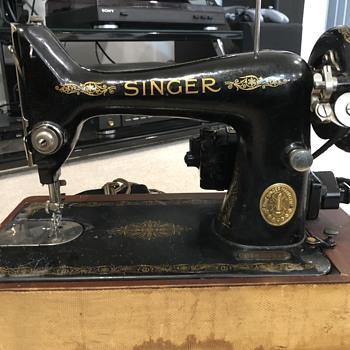 Vintage Singer Sewing Machine- 1947?  - Sewing