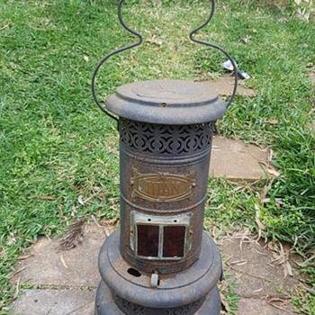 Antique Titan Kerosene lantern/stove - Lamps