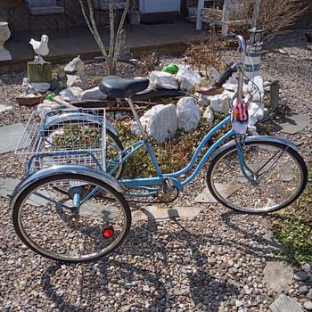 Shwinn 1974 town and country trike - Sporting Goods