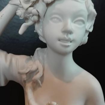 Beautifull sculpture - Fine Art