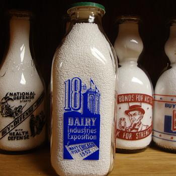 Square quart 1952 Dairy Industries Exposition Milk Bottle............ - Bottles