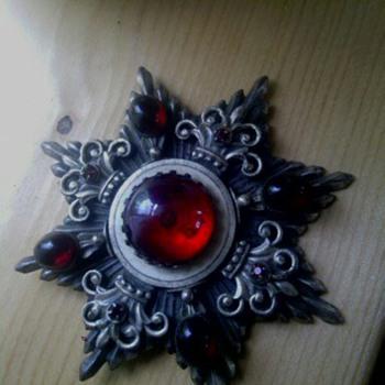 pin or brooche - Fine Jewelry