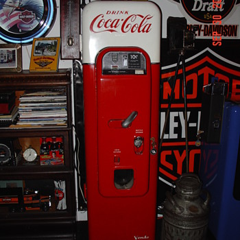 Coca-Cola Vendo 44 Soda Machine - Coca-Cola