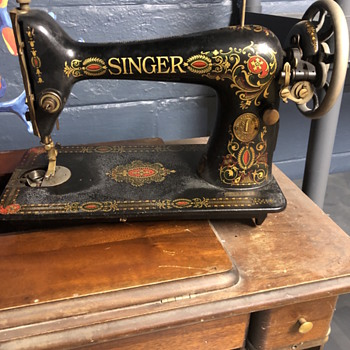 1910 Singer - Sewing
