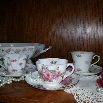 Shelley tea cup and saucer sets - China and Dinnerware