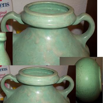 A Very Stunning Green Handled Vase Vessel