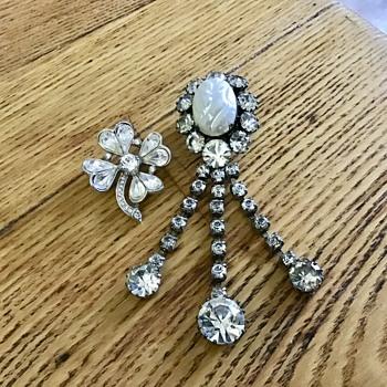 Crown Trifari brooch - Costume Jewelry