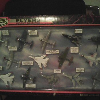 FLYERS DIE CAST COLLECTION - Military and Wartime