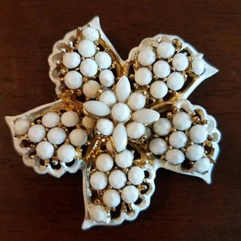 Vintage Signed Pell White Milk Glass Pinwheel Flower Pin Brooch - Costume Jewelry