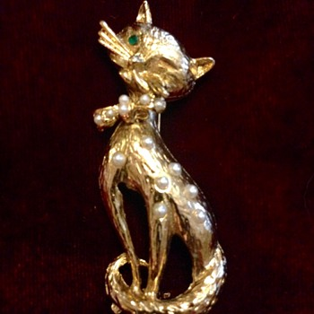 Hobé Costume Jewelry Cat Brooch