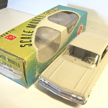 1963 Chevrolet Impala SS 409 1/25 scale original plastic friction/promo - beige