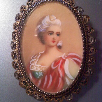 14K Gold Portrait Porcelain Brooch - Victorian Era
