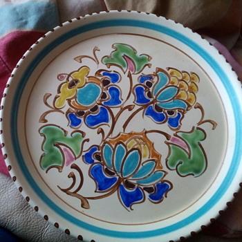 HONITON POTTERY, PLATE - Pottery