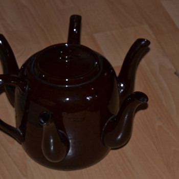 antique market find. sudlows functional teapot - China and Dinnerware