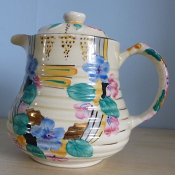 Vintage teapot unknown make - Kitchen
