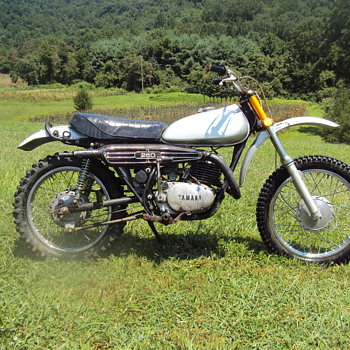 1972 ? Yamaha 250 dirt bike - Motorcycles