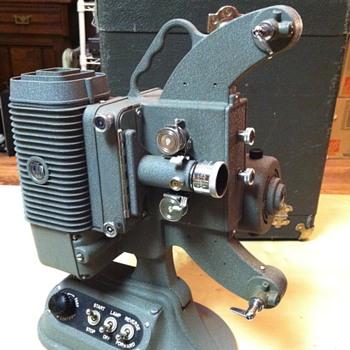 Dejur 750 (c 1956) 8mm Projector - Cameras
