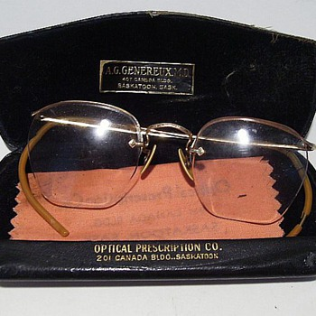 Old Eye Glasses with Case (Glasses---Gold Filled) - Accessories